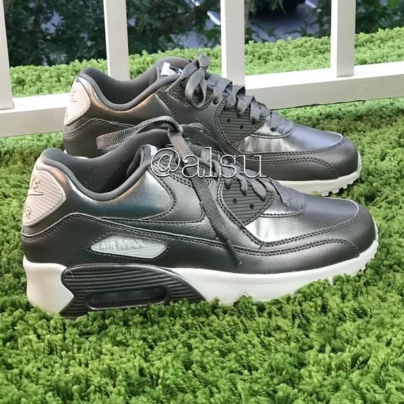 639abcb002ce NWT Nike Air Max 90 LTR SE GS Silver Fog WMNS